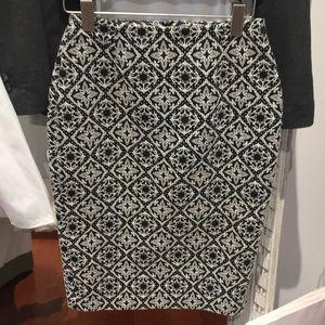 Zara pencil skirt black and white pattern
